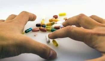 Patient's hands and antidepressants