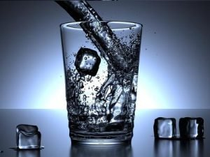 glass of water and ice