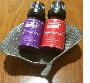 essential oils lavender and peppermint