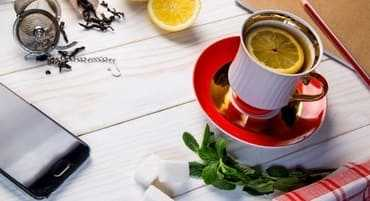 Brewed tea with lemon