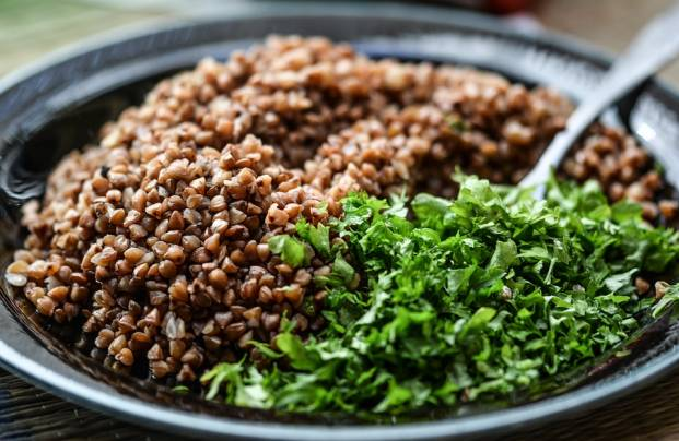 Buckwheat porridge with greens