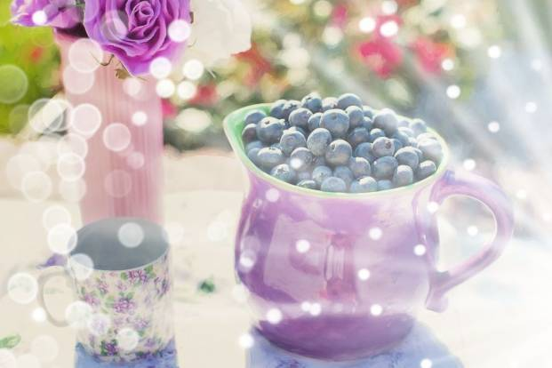 Blueberries in a cup