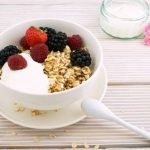 Russian kasha. Oatmeal with berries